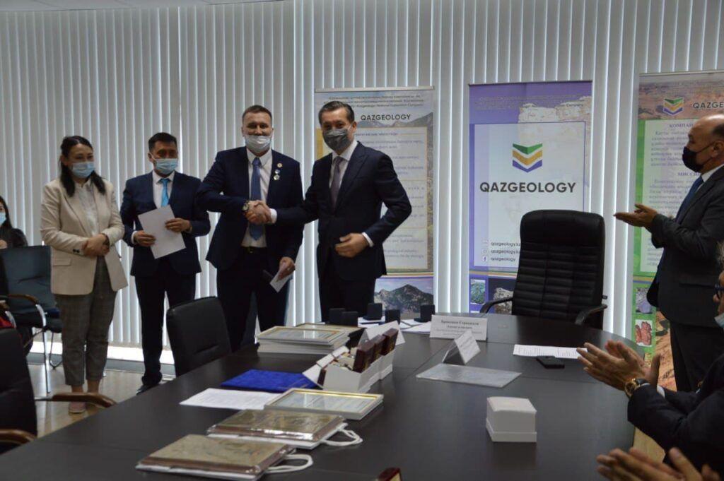 """В АО """"Казгеология"""" прошло торжественное собрание, посвященное 10 - летнему юбилею Компании"""